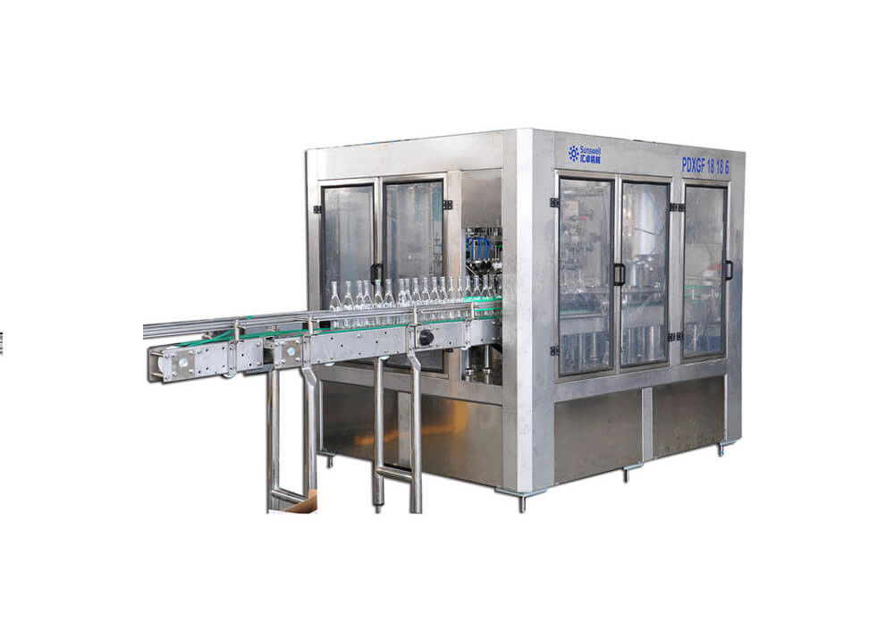 3 In 1 Washing Filling Capping Packaging Machine For Beer Carbonated Drinks Beverage